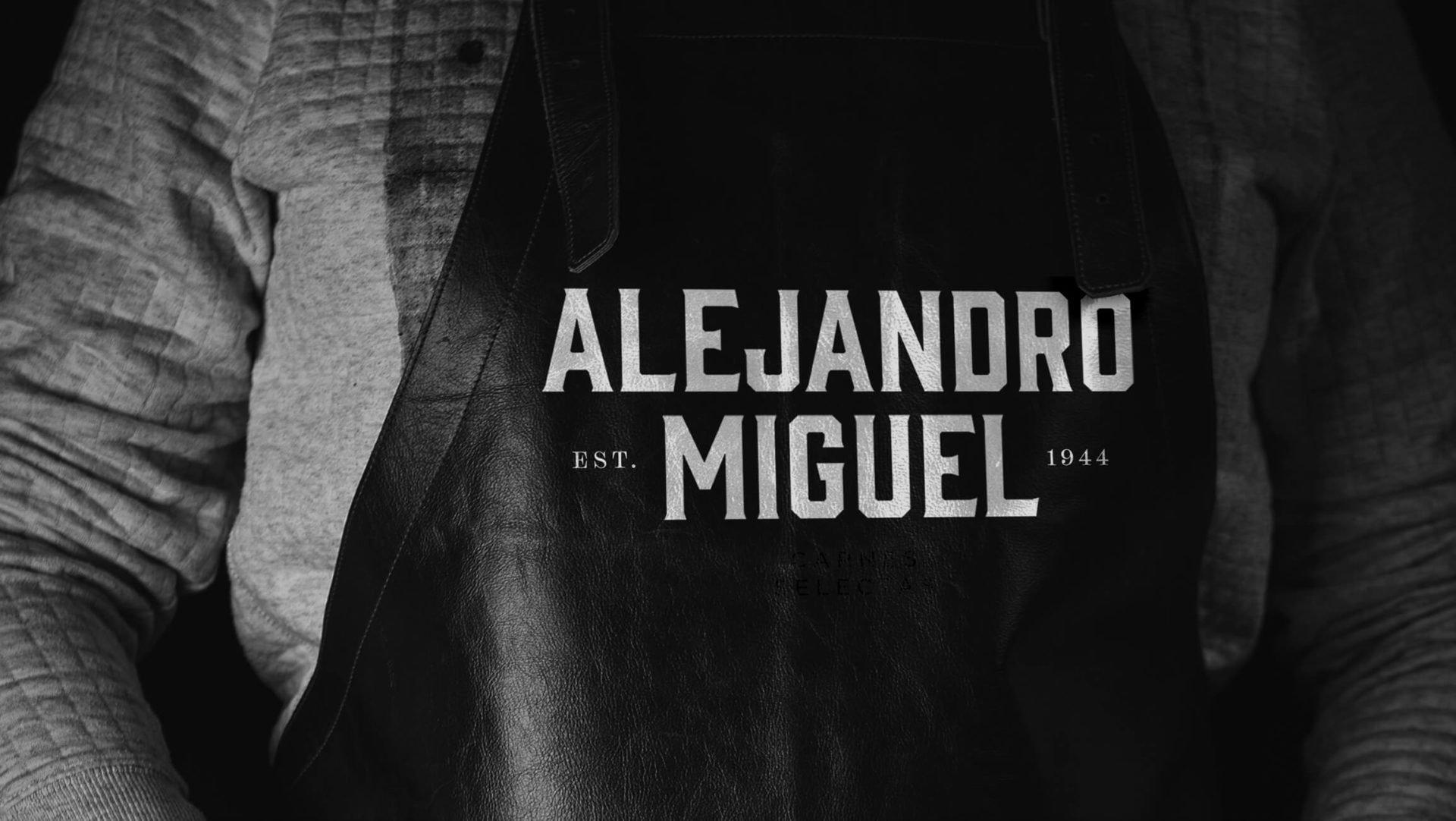 merchadising-delantal-alejandro-miguel